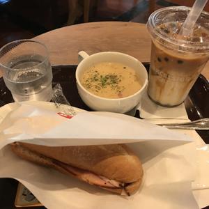 エクセルシオール カフェ/スモークハム&ゴーダチーズとスープセット