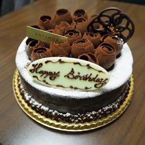 アンテノール 銀座ブティック/誕生日に甘い甘いチョコレートケーキでお祝い