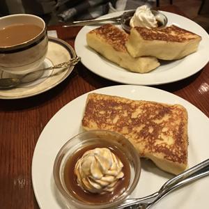 カフェ アリヤ/とろけるようなフレンチトーストとインスタ映えなカフェオレ