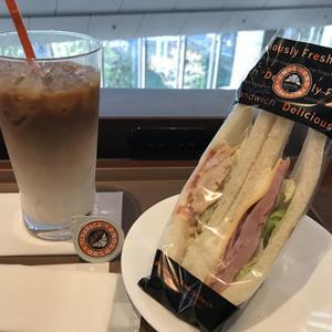 サンマルクカフェ/カフェラテとサンドイッチで軽めのランチ