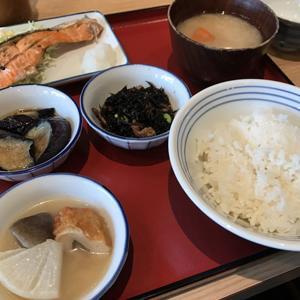 かっぽうぎ 品川シーズンテラス店/選べるおかずのオリジナル定食でランチ
