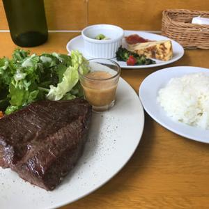 モン テルセーロ/前菜付きの牛ハラミステーキランチ