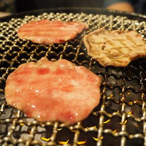 焼肉 乙ちゃん 目黒不動前店/ 黒毛和牛雌一頭盛り10種とテイクアウトのお弁当
