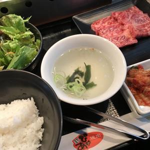 ぴゅあ 品川フロントビル店/ランチに値下げ中の黒毛和牛カルビ定食!