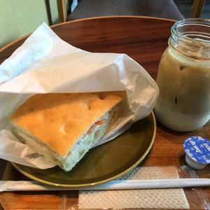 ザ サード カフェ 品川シーズンテラス店/サンドイッチとお気に入りのカフェラテ