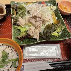 大戸屋 品川グランパサージュ店/豚と彩り野菜の冷しゃぶと梅じゃこご飯