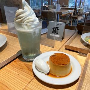 カフェ&ミール ムジ 渋谷西武/本和香糖の焼きプリンとメロンリームソーダ