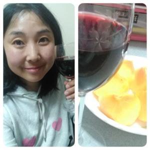 本日の晩酌写メ☆桜柄のワイングラスで乾杯☆