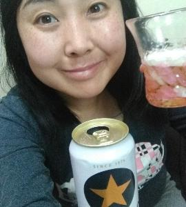 昼飲みタイム☆サッポロ生ビール飲んでいます♪