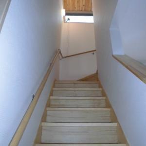 緩やかで安全な階段