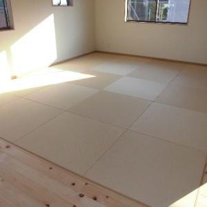 広く使える畳のリビング