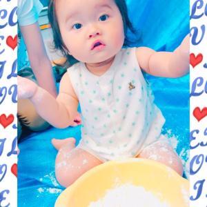 【動画】赤ちゃん 初めての小麦粉ねんどあそび