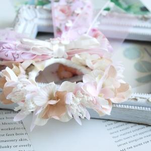 ナチュラルな雰囲気の花冠