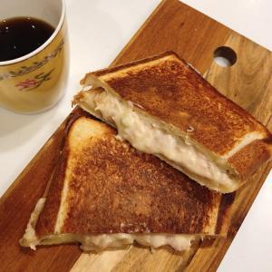 自家製プルマン食パンでホットサンド