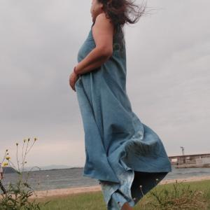 海へと 続く道  今かけてく 風のように