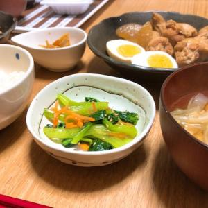 鶏手羽元と大根の煮物と、大根尽くしの晩御飯。
