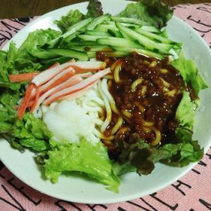 食事日記  ジャージャー麺。