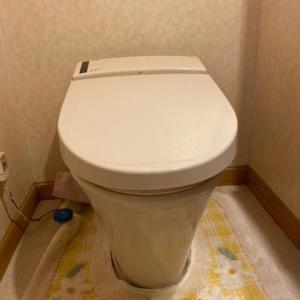 シャワートイレを交換………(;^_^A アセアセ・・・