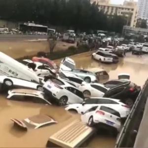 【多分消される】大洪水で6300人の遺体を証言した運転手