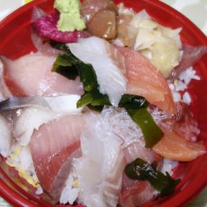 魚がし食堂の持ち帰り海鮮丼~力八の焼肉弁当