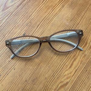 ♪100均〜ダイソーの老眼鏡♪