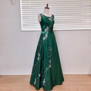 ドレスの装飾