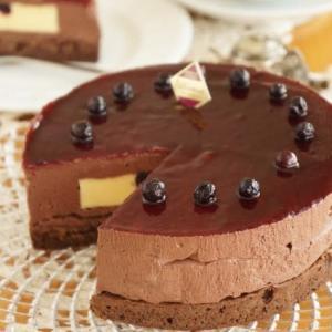 カシスとチョコレートのアントルメ