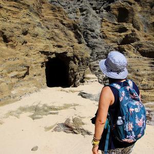 2019ハワイ旅 - ハロナ ビーチ コーブ(地上より永遠にビーチ)のあの洞窟を反対側まで横断してみたら・・・