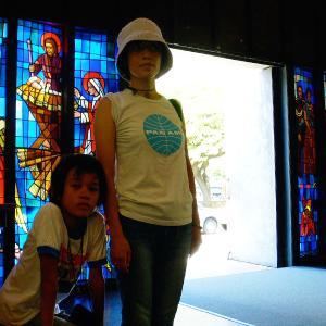 ホノルル ダウンタウンにあるステンドグラスの大聖堂