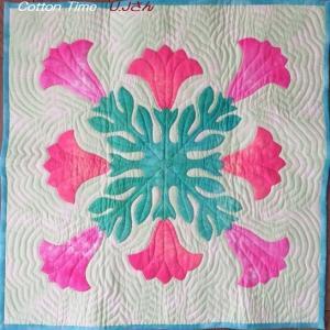 ハワイアンキルトとバネポーチ / 布と刺しゅう糸 / コサギ