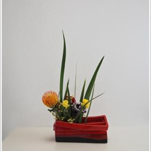 生徒作品、花器の空きを