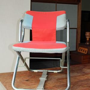 鉄パイプ椅子 欲しい方差し上げます。   民芸家具