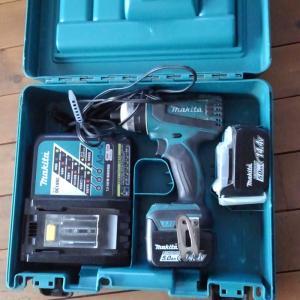 DIY 充電ドライバ-  民芸家具
