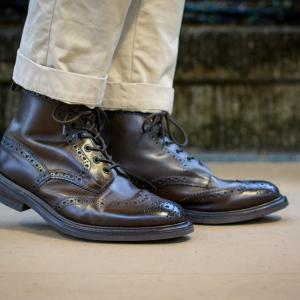 きっと靴にも。 トリッカーズ モールトン Espresso burnished