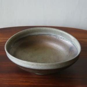 白縁たわみ鉢