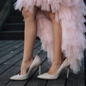 大人女子の、脚の出し方。