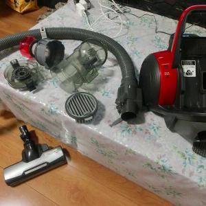 サイクロン掃除機を分解掃除