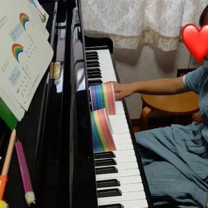 ピアノの上のにじ♬︎♡