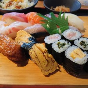 岡崎 蛇の目鮨のランチ ~大盛すし定食~