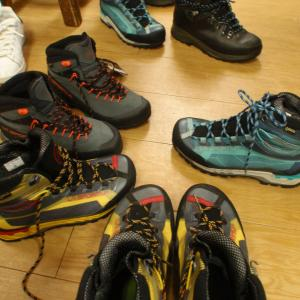 人気№Ⅰの登山靴~♪