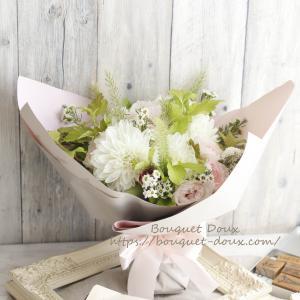 【花を楽しむコツ】花束をいただいたらラッピングはどうする?と贈り物の花束