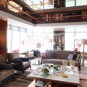 1泊200万円の部屋で寿司とドンペリ