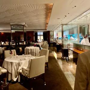 香港最高級ステーキハウス、マンダリングリル