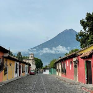 グアテマラの古都アンティグアに来ました