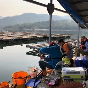 中年の日本帰郷 Vol.15 牡蠣筏で初のチヌ釣り【ずっこけスタート編】
