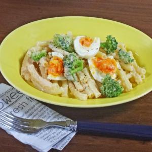 もっちり、うまみ濃厚!卵とブロッコリーの明太子マヨマカロニ