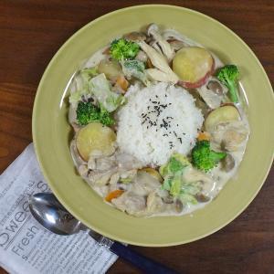 【旬のあったかワンプレート】コクあって濃厚!鶏肉とさつまいも 根菜の白菜クリーム煮