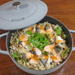 秋鮭と3種のキノコの炊き込みご飯