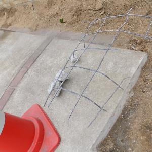 10年経っても駐車場のコンクリートの鉄は錆びない!