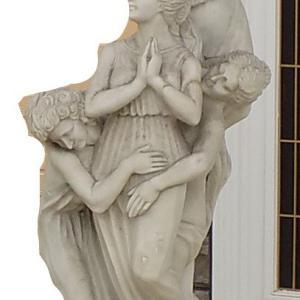 ある美術館にて。折れてもええ・・なんとかビーナス像が移動できんか!